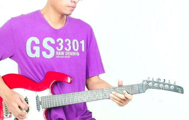 Billedets titel Play the Blues on Guitar Step 8